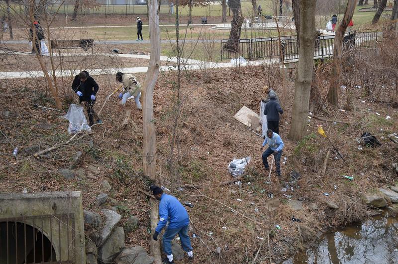 Marvin Gaye Park Cleanup 1-16-17 - Volunteers  (40)