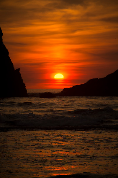 sunset-silhouette-RAW-IMAGE-Close-Up-Red-Sky-Second-Beach-Forks-La-Push-Washington-Garson-Shortt-DSC_8730