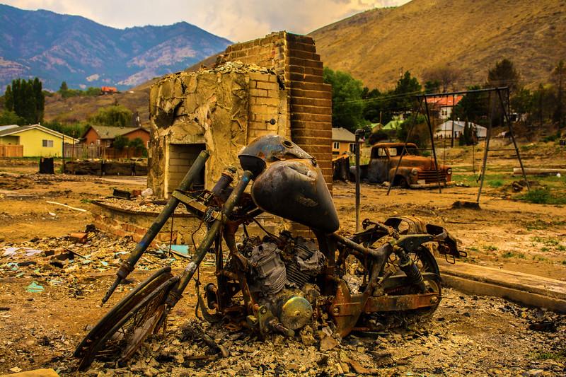 Ghost-Rider-Pateros-Carlton-Complex-Fire-Eastern-Washington-aftermath-motor-cycle-DSC_9644