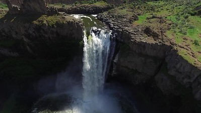 4 Flying closer to Palouse Falls