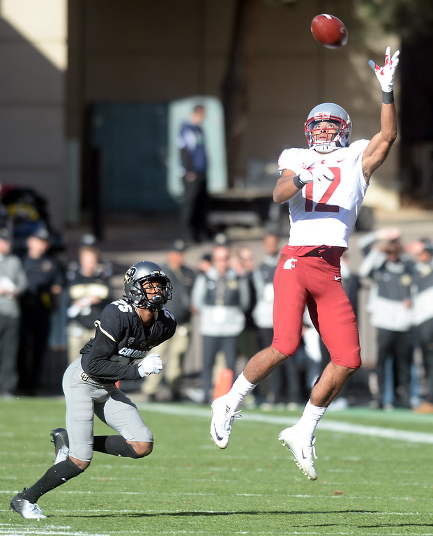 . BOULDER, CO: November 10: Dezmon Patmon, of WSU, can\'t make this catch during the game with Washington State. (Photo by Cliff Grassmick/Staff Photographer)