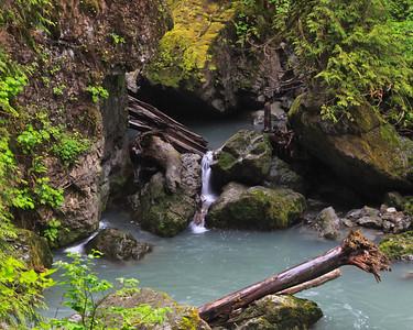 Boulder Falls trail