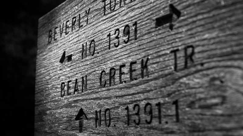 Kittitas, Bean Creek - Trail sign close up for Bean Creek and Beverly Turnpike