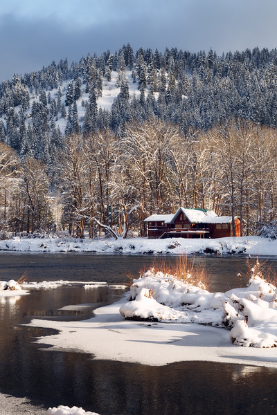 Leavenworth, Town - Cabin on the river in the snow