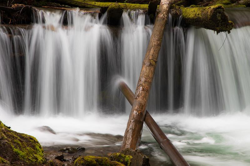 Kittitas, Mt. Baldy - Waterfall with two crossed logs in long exposure