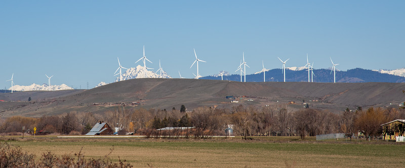 Kittitas, Thorp - Mt. Stuart and windmills seen from Palouse to Cascades Trail