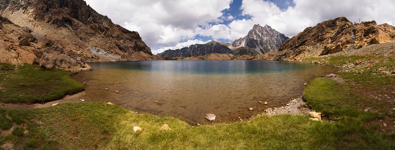 Stuart, Ingalls - Panorama of Ingalls Lake
