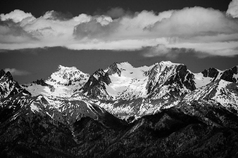 Kittitas, Peoh Point - Enchantments Peaks under clouds, black and white, alternate view