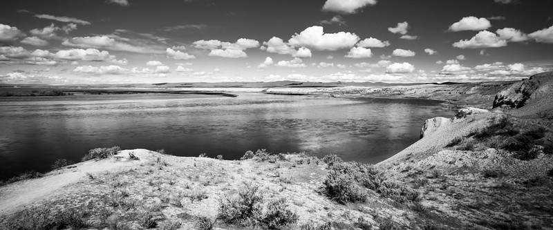 Columbia, Mattawa - Bend in the Columbia River below the sand dunes at Hanford Reach, black and white