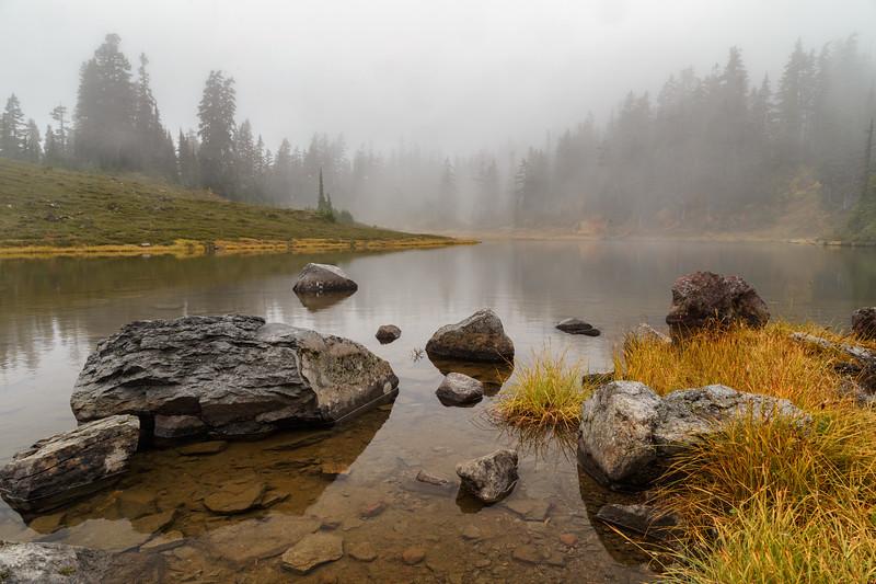 Whatcom, Artist Point - Foggy lake along the Chain Lakes Loop