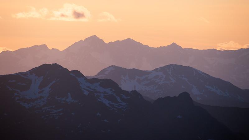 Harts Pass, Slate Peak - Layers of peaks and ridges at sunset