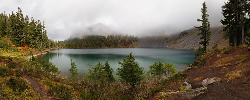 Whatcom, Artist Point - Panorama of Iceberg Lake in the fog
