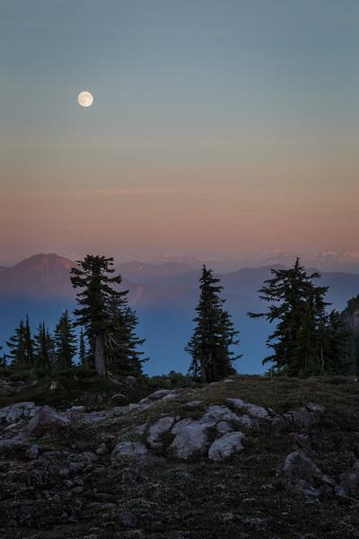 Whatcom, Park Butte - Super moon rising over the North Cascades