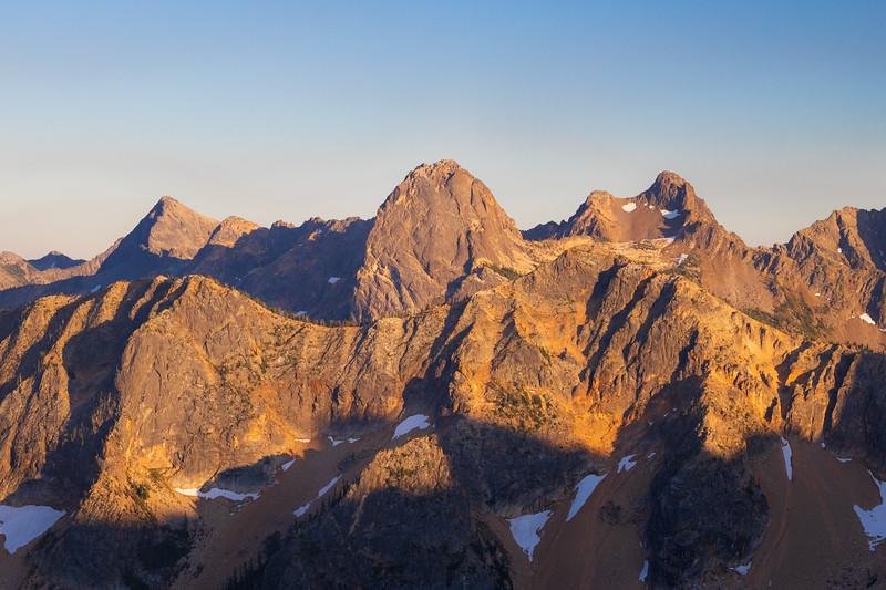 Rainy Pass, Cutthroat Pass - Alpenglow on peaks from above Cutthroat Pass