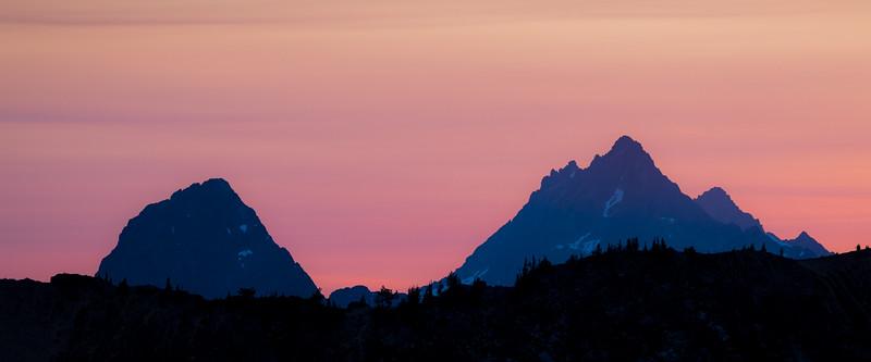 Rainy Pass, Cutthroat Pass - Sun setting behind Mesahchie Peak