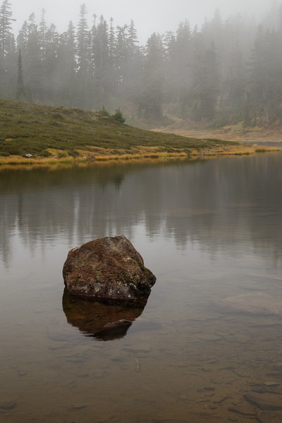 Whatcom, Artist Point - Single rock in the middle of a foggy lake