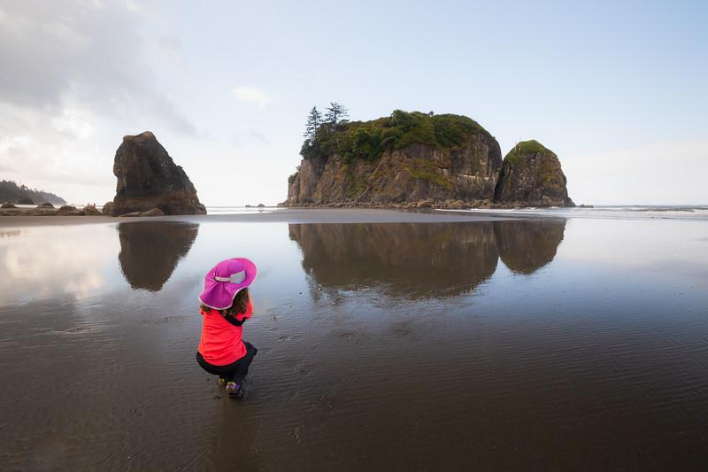 Kalaloch, Ruby Beach - Little girl taking picture of Abbey Island