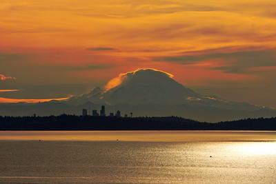 Mount Rainier at sunrise, seen from Kingston