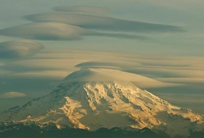 Mount Rainier seen from Gig Harbor.