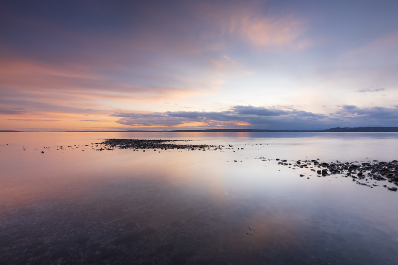Edmonds, Marina Beach Park - Colorful sunset and sand bar in long exposure