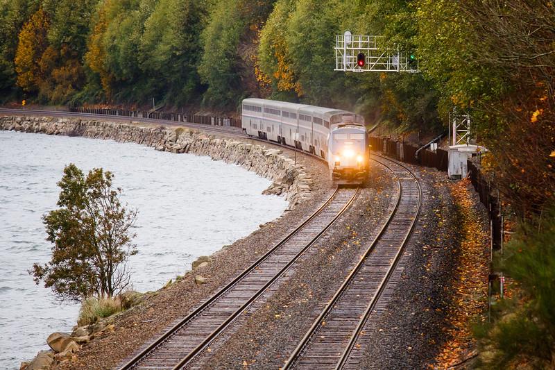 Seattle, Carkeek - Amtrak Empire Builder train rounding the bend