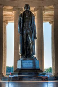 jefferson-memorial-statue