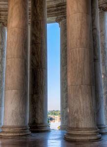 jefferson-memorial-pillars