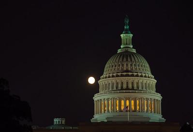 US-capital-dome-night-moon