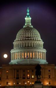 US-capital-night-moon