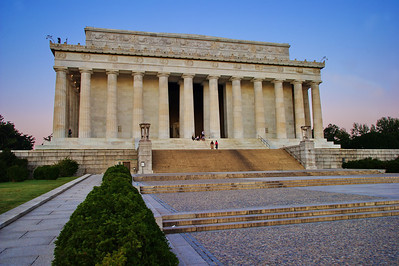 Lincoln Memorial at dawn