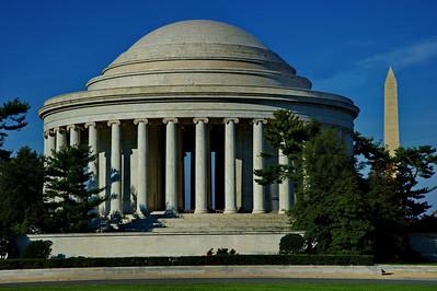 Jefferson Memorial in daylight