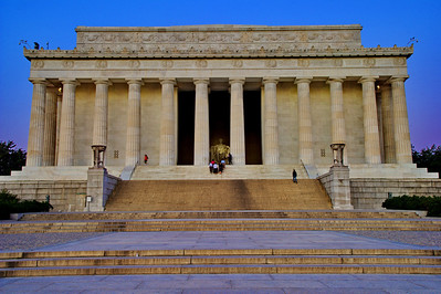 Lincoln Memorial at dawn