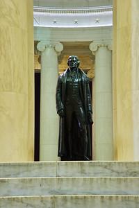 WashDC_Jefferson_Memorial_statue_RAW8560