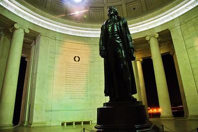 WashDC_Jefferson_Memorial_Statue_up-close_RAW8573