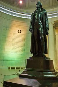 WashDC_Jefferson_Memorial_Statue_wall_RAW8577