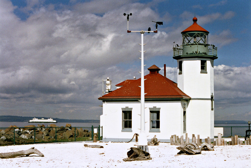 The local population realized early the importance of marking Alki Point to aid commerce.  The owner of Alki Point, Hans Martin Hanson, placed and tended an oil lantern on a pole at the point as a public service beginning in 1868.