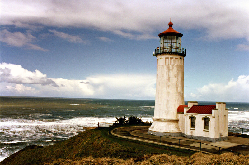 The First Order Fresnel lens from the Cape Disappointment Light was installed in North Head Light upon its completion in 1898. In 1935 it was replaced with a Fourth Order Lens.