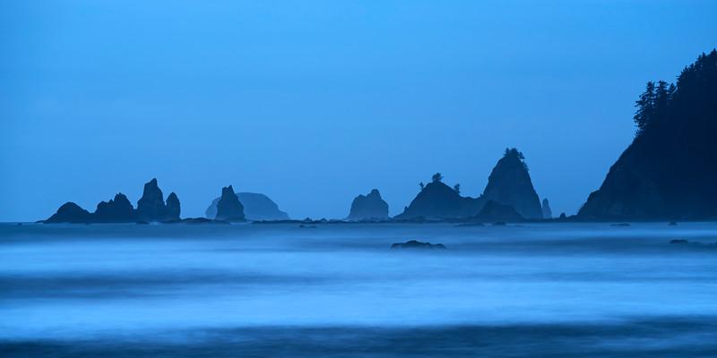 Sea stacks north of Rialto Beach along Washington's Pacific Coast