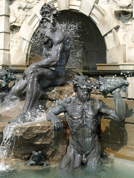 Detail, Court of Neptune Fountain,1895. Roland Hinton Perry (1870–1941),sculptor. Front entrance of the Jefferson Building of the Library of Congress, Washington, DC.