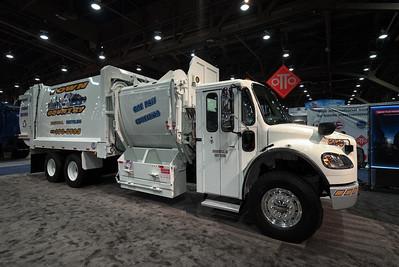 2015 Freightliner G-S Collecstar 8200 Split Body Side Loader