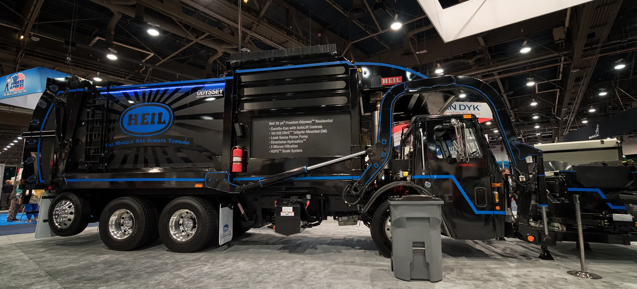 2015 Mack LR G-S Products Collecstar 8000 Automated Side Loader