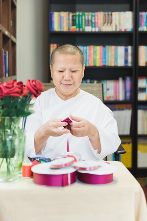 Rose Making by Mae Noi