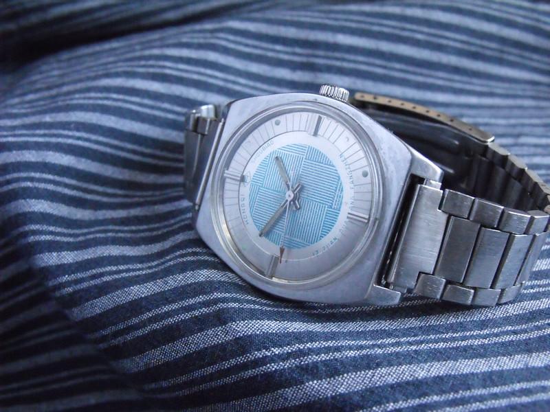 Hongqi silver/blue dial