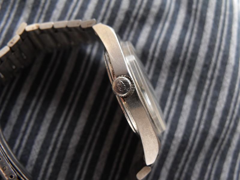 Hongqi silver/blue dial crown