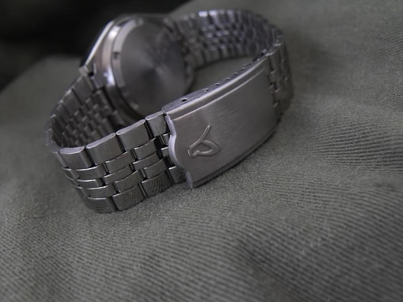 Butterfly 'Butfly' automatic bracelet