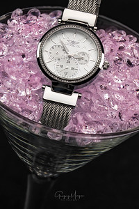 Joannes Invicta in glass pink stones