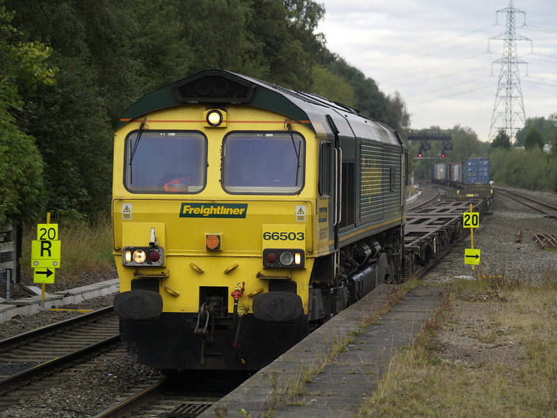 66503 heads 4M75 Felixstowe - Birch Coppice