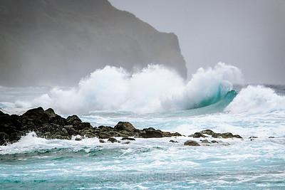 Refracting waves at Ke'e Beach