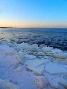 WisconsinPoint-LakeIce-Shoreline