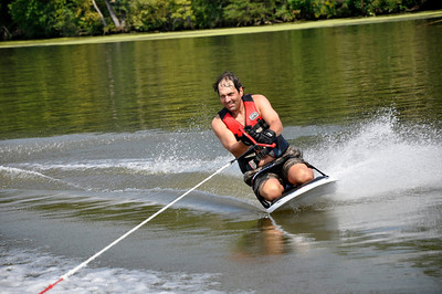 Kneeboarding over glass